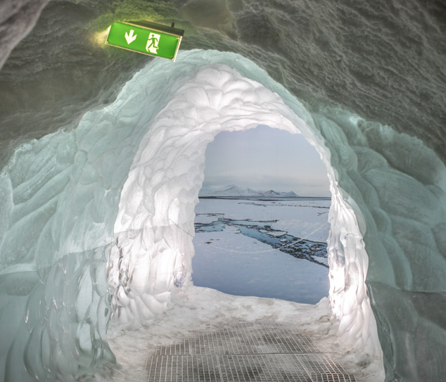 In 2018, a portion of sea ice in the north of Greenland melted for the first time since NASA has been measuring it. More generally, the Arctic Circle ice is receding, and at the same time, in Canada and Greenland – as in all continental Europe – increasin