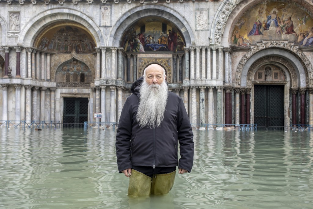 MOSE(s) - the Venice separation of water